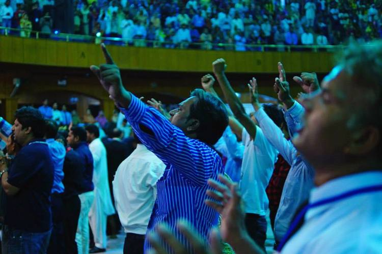 Prayer at the end of the first day of Glory Filled Pakistan conference