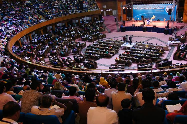 Crowded convention center: more than 2500 pastors and leaders were present on the both services