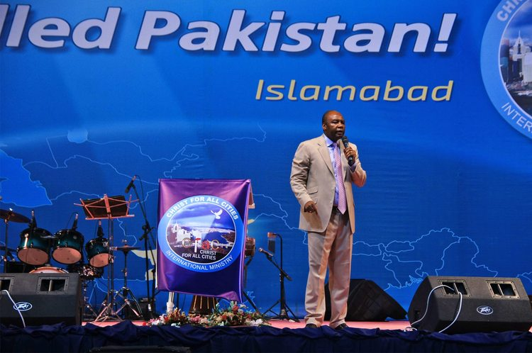Day 2. Start of the second service of Glory Filled Pakistan Conference
