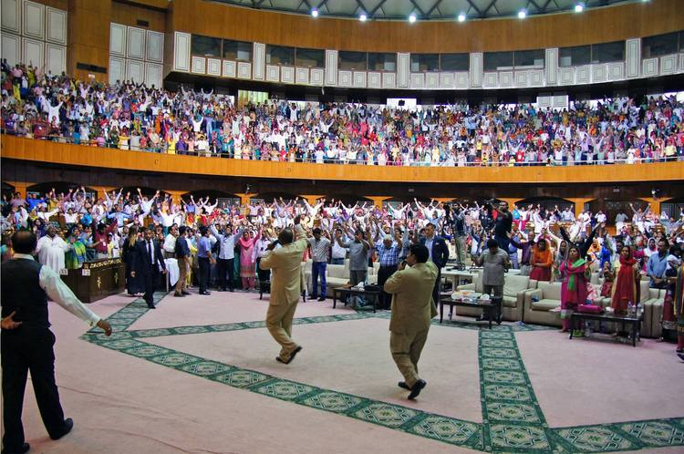 Prayer for the supernatural acceleration in Pakistani churches and ministries