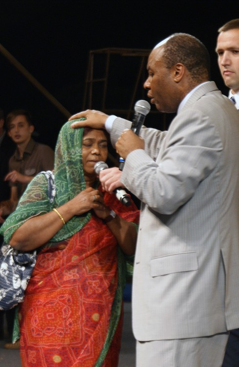 This woman suffered from severe sore throat. God healed her during the prayer!