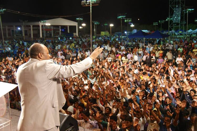 Молитва покаяния на Фестивале Иисуса, Бангалор, 2015