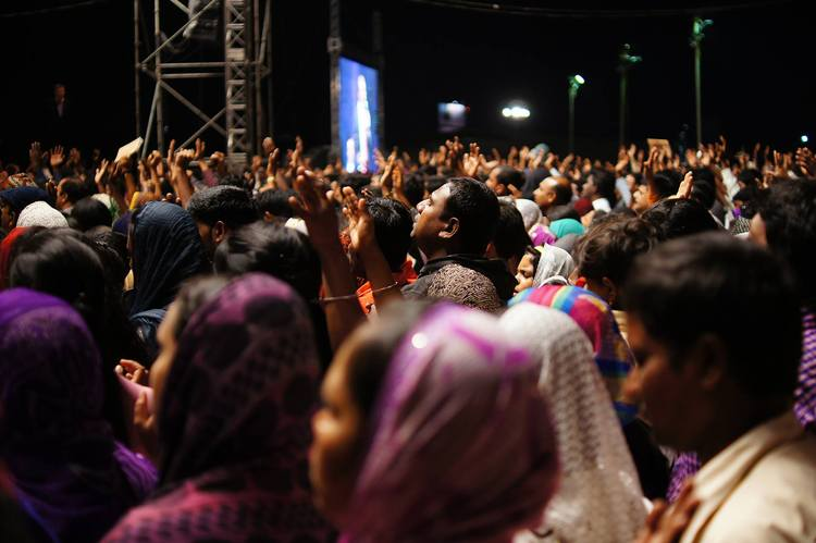 В ожидании своего чуда. Завершающий день Фестиваля Иисуса в Индии, Бангалор