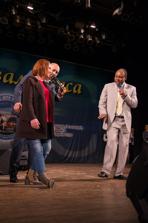 Ekaterina couldn`t bent her leg after the plaster cast was discarded which she had after the trauma. Jesus healed her!