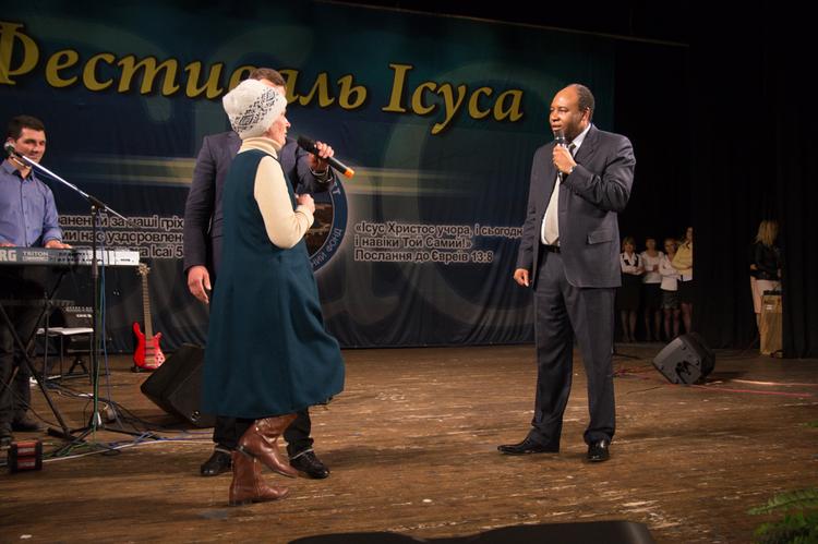 Лилия Дмитриевна больше не знает проблем с давлением и изжогой, потому что сегодня она получила свое чудо от Господа!