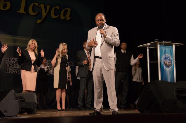 Утреннее собрание для пасторов и лидеров