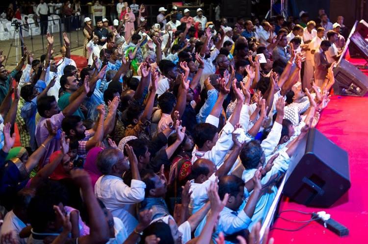 Множество людей приняли Иисуса как своего Спасителя в этот день!