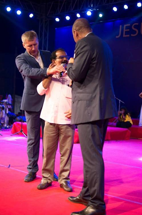 Joshua had had a problem with eardrums for two months, so that he felt pain when it was loud around. When the pastor mentioned the eardrums during the prayer, the pain went away and the man's hearing was fully restored.