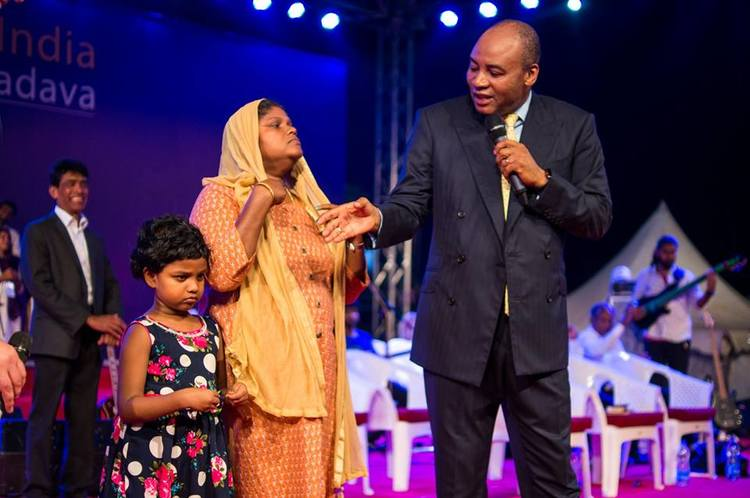 A little five-year-old girl, Victoria, had stomach pain, so that she could not even drink water without pain for the last four months. When pastor Henry prayed, the pain went away.