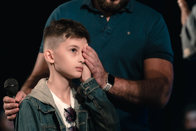 A boy could not see with his right eye well. His sight was completely restored after the prayer. He can distinguish colors and see clearly with this eye now!